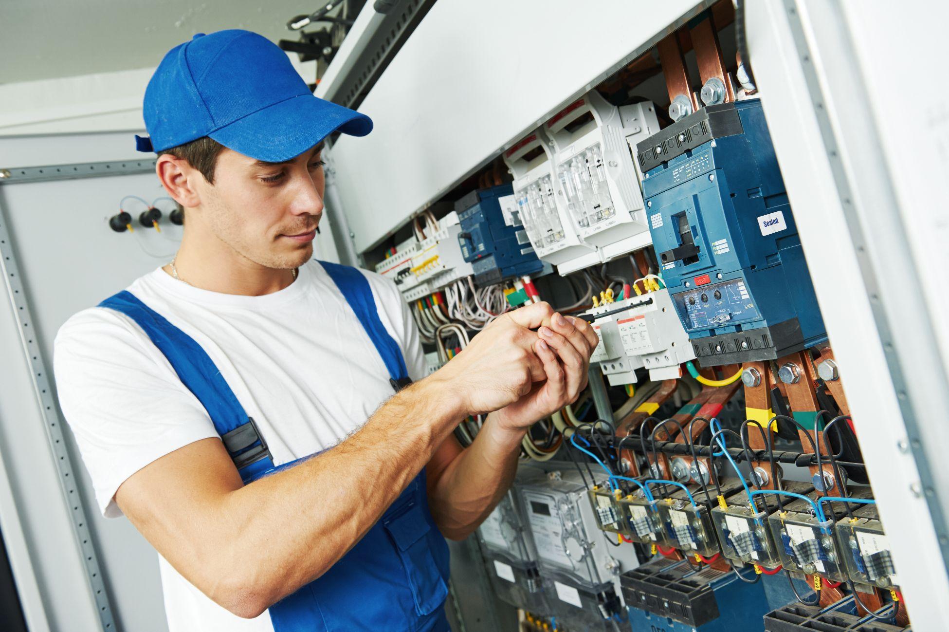 meilleurs electriciens laval prix